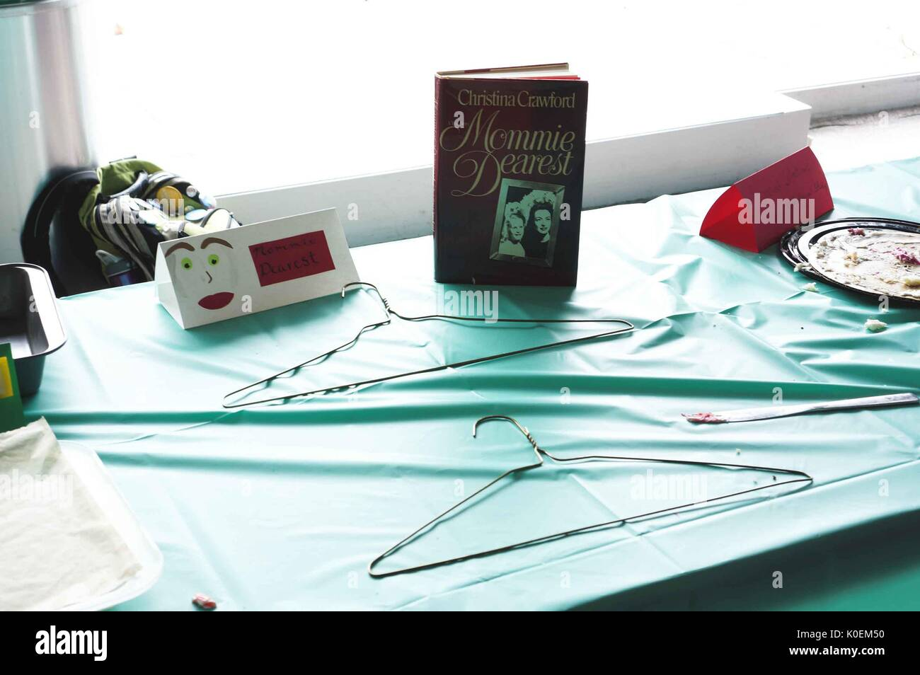 Wire Hangers Stock Photos & Wire Hangers Stock Images - Alamy