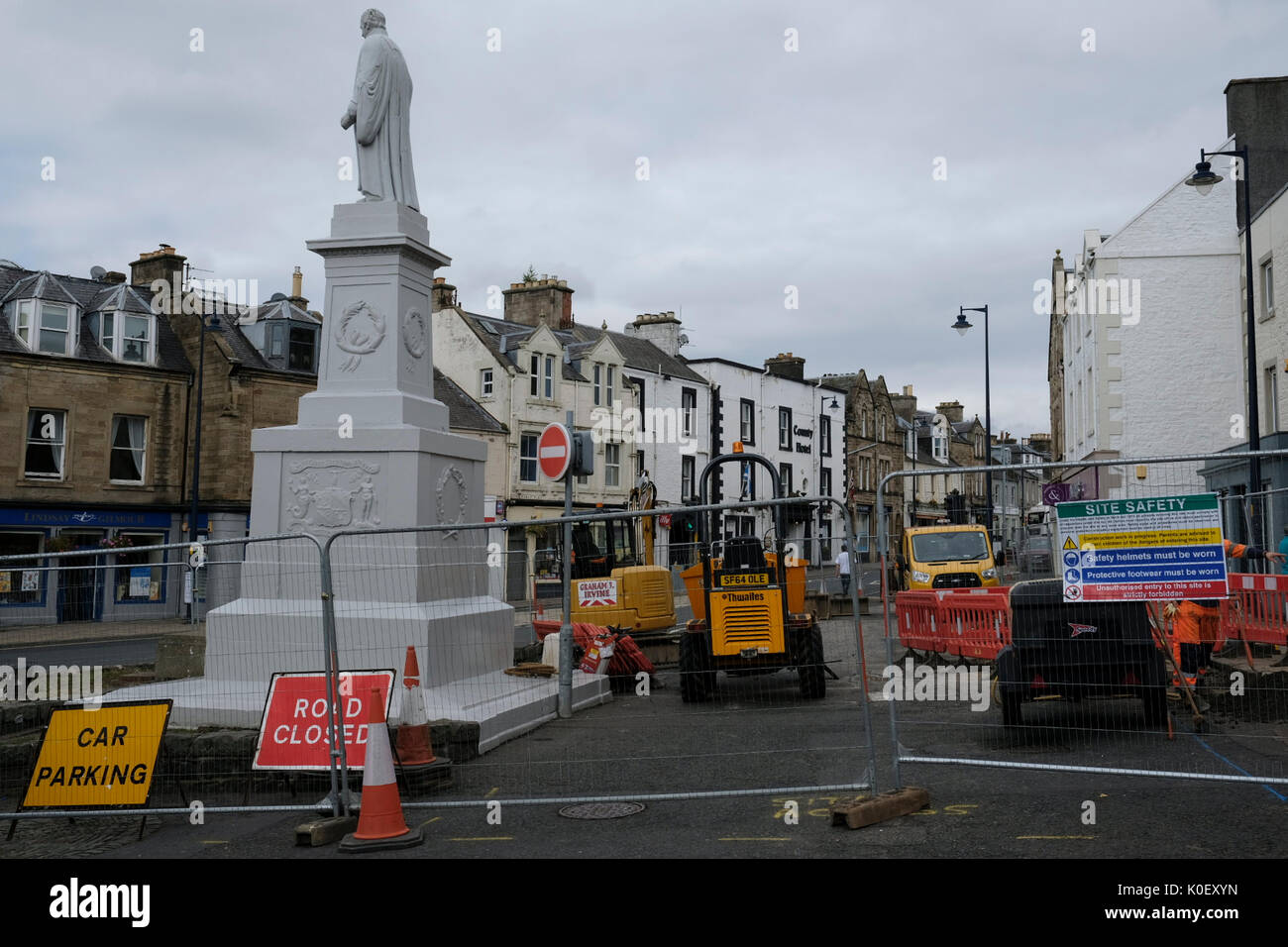 Market Place, Selkirk, UK. 22nd Aug, 2017. Selkirk Streetscape Regenaration Streetscape works in Selkirk Market Stock Photo