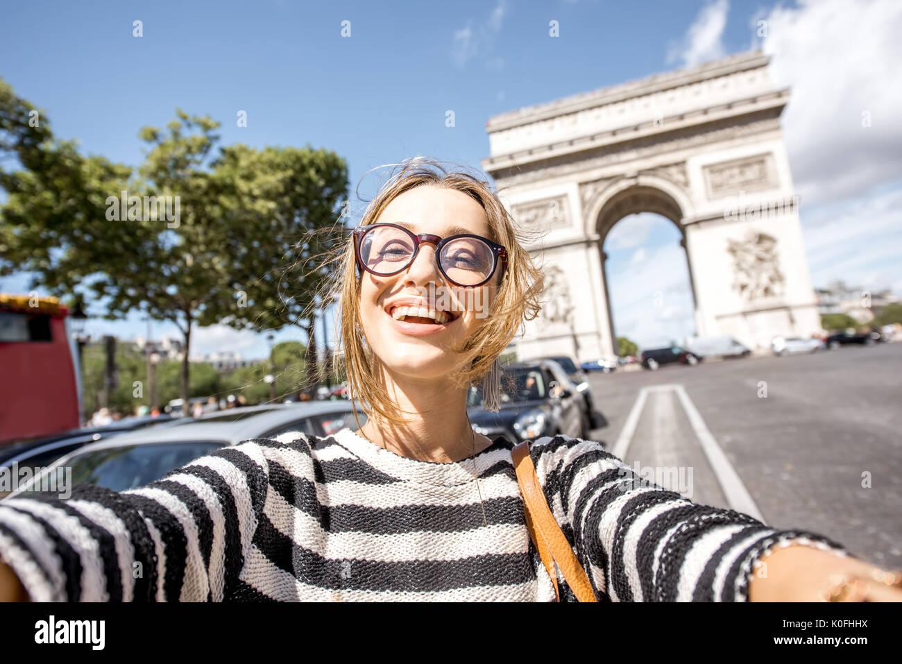 Woman traveling in Paris - Stock Image
