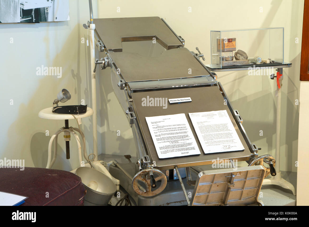 Operating table, The Oregon State Hospital Museum of Mental Health, Salem, Oregon - Stock Image
