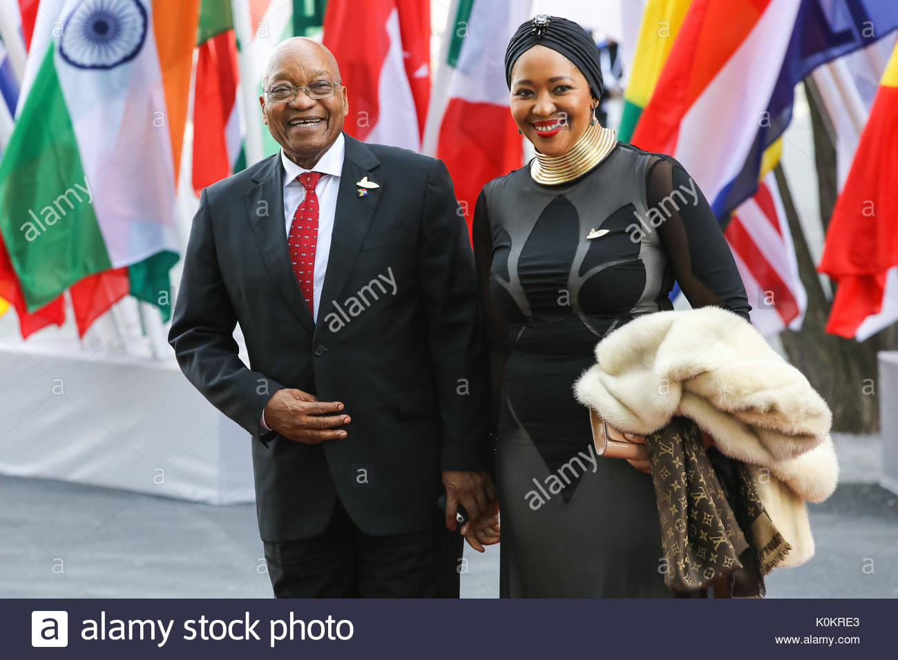 Jacob Zuma,  Praesident Suedafrikas mit einer seiner Ehefrauen beim Eintreffen zum G20-Konzert in der Elbphilharmonie in Hamburg. - Stock Image