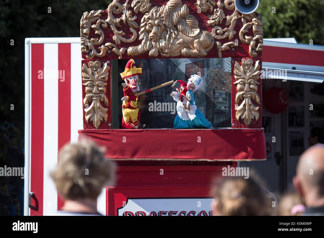 Punch and Judy show at the Llandudno seaside - Stock Image