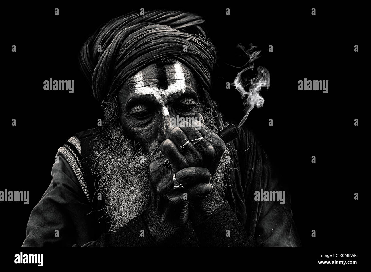 Sadhu Smoking Chillum India High Resolution Stock Photography And Images Alamy