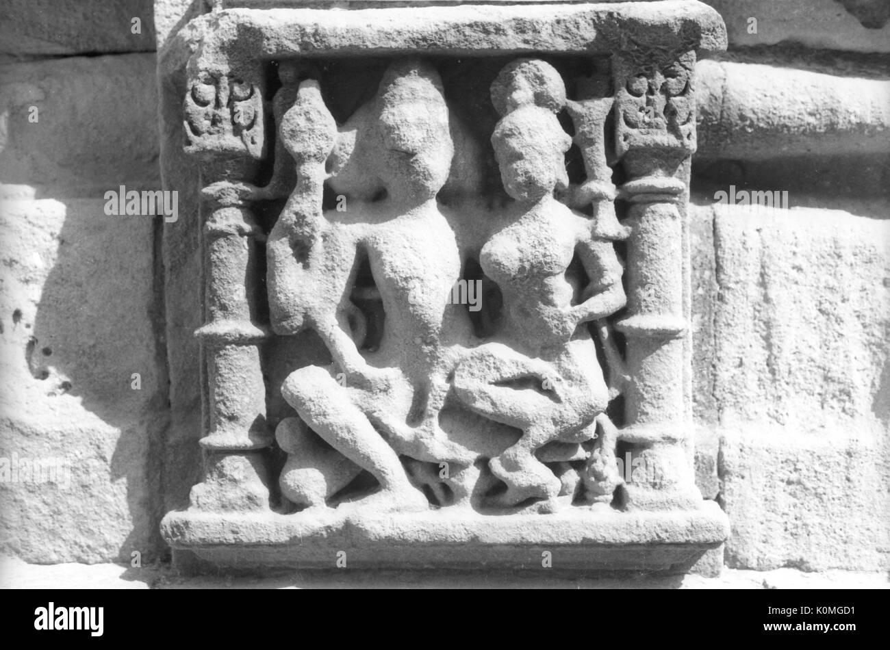 Shiva parvati statue, modhera Hindu sun temple, Mehsana, Gujarat, India, Asia - Stock Image