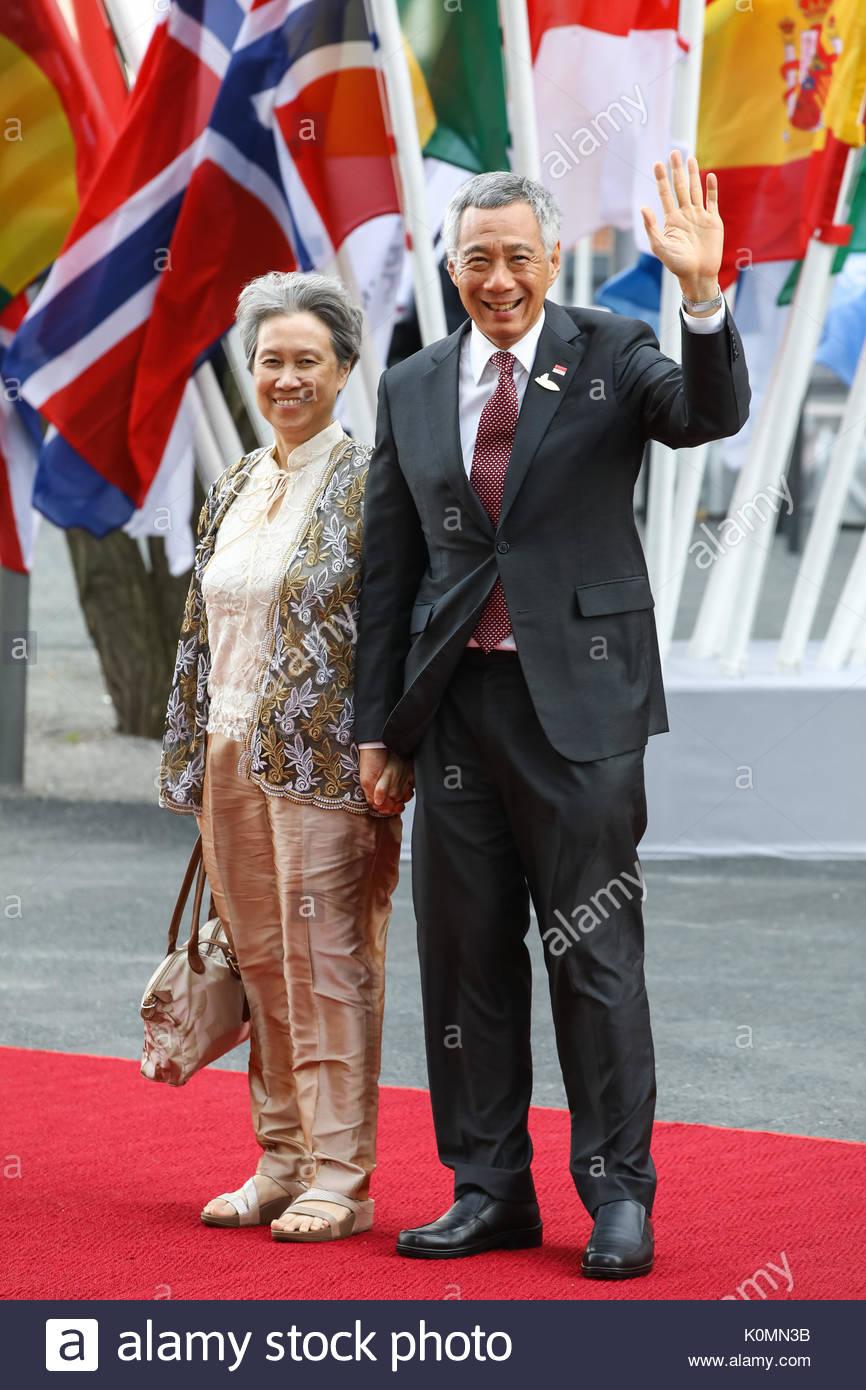 Lee Hsien Loong,  Premierminister von Singapur mit seiner Ehefrau Ho Ching beim Eintreffen zum G20-Konzert in der Elbphilharmonie in Hamburg. - Stock Image