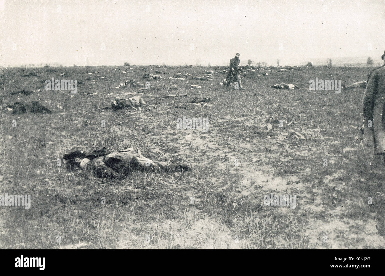 Battlefield littered with the dead, WW1 - Stock Image