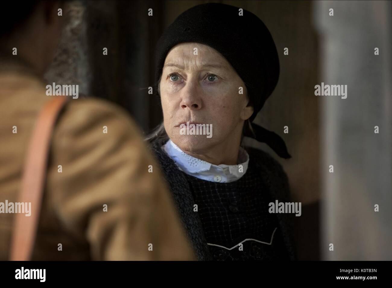 HELEN MIRREN THE DOOR (2012) - Stock Image