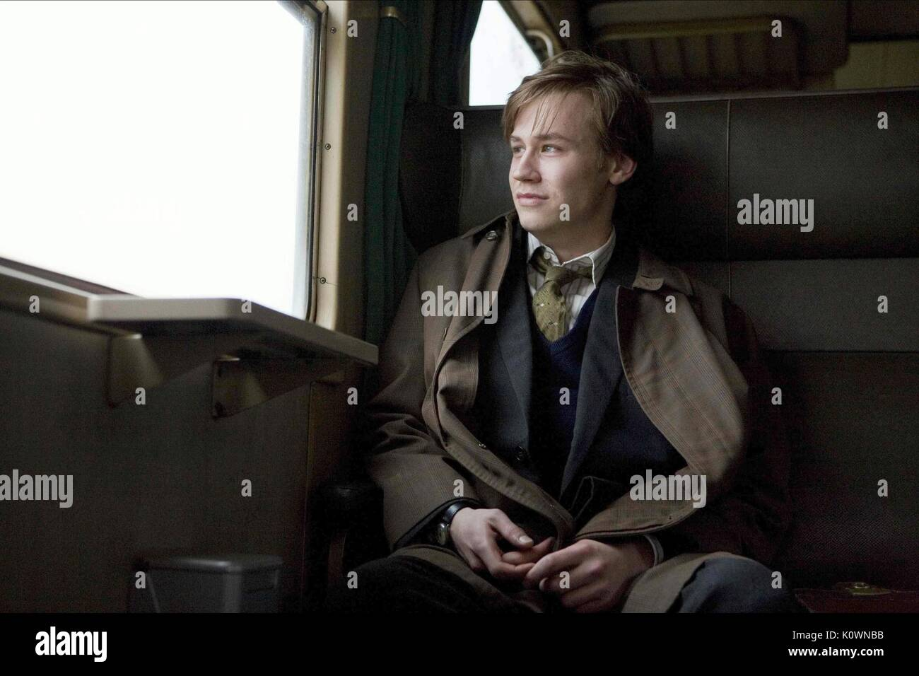 DAVID KROSS THE READER (2008) - Stock Image