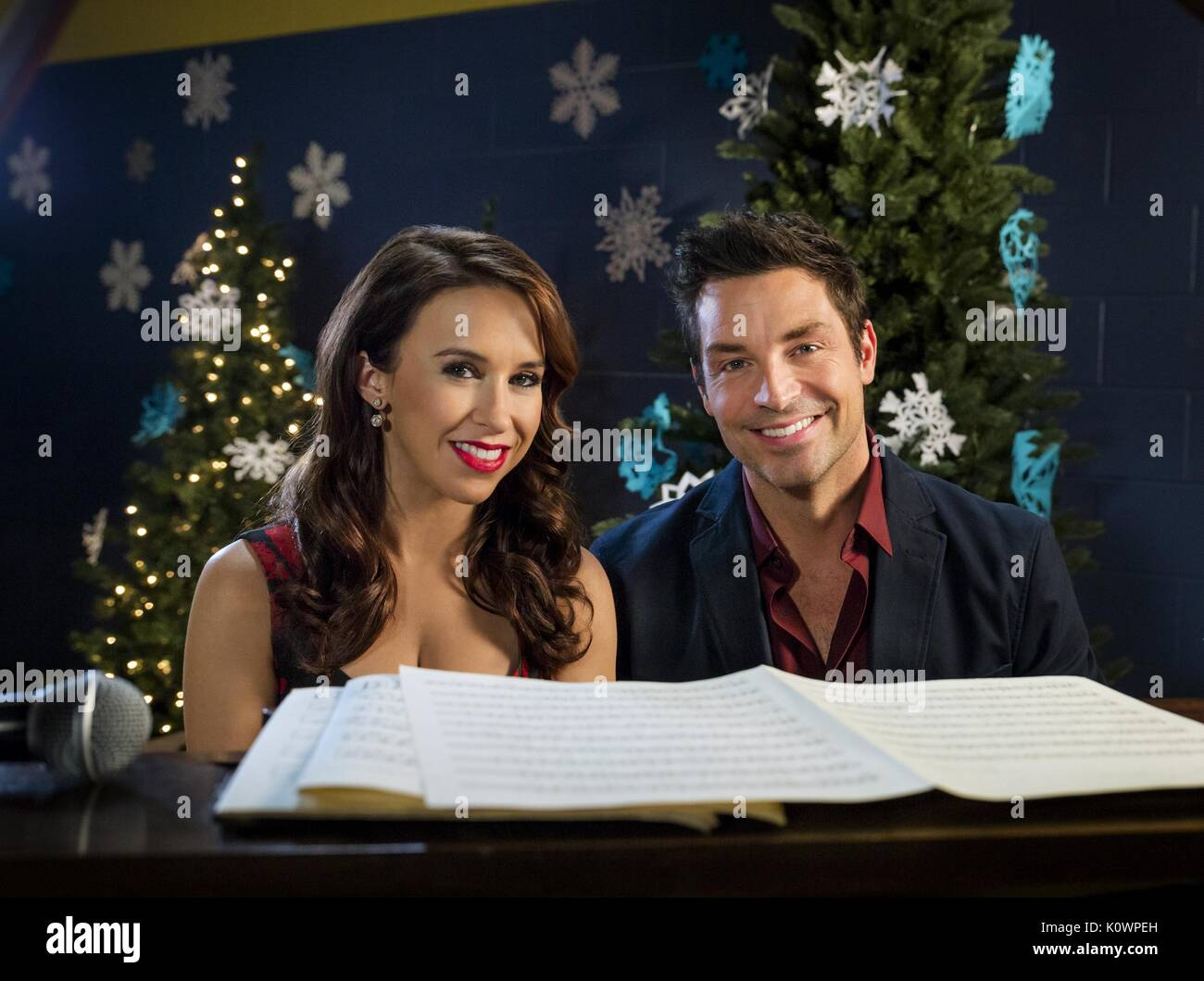 LACEY CHABERT & BRENNAN ELLIOTT A CHRISTMAS MELODY (2015) - Stock Image