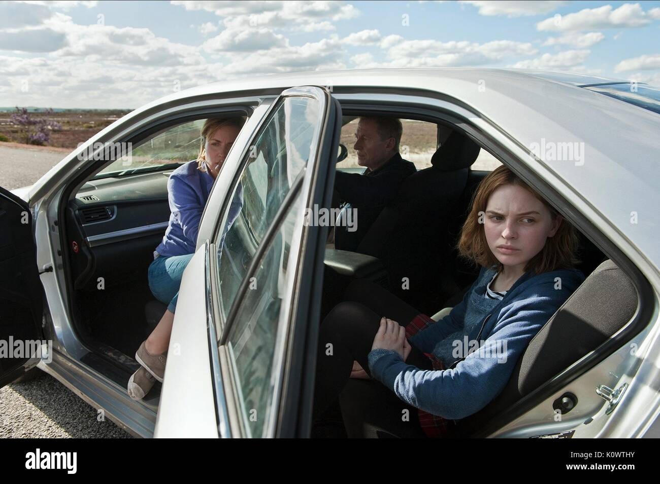 RADHA MITCHELL RICHARD ROXBURGH & ODESSA YOUNG LOOKING FOR GRACE (2015) - Stock Image