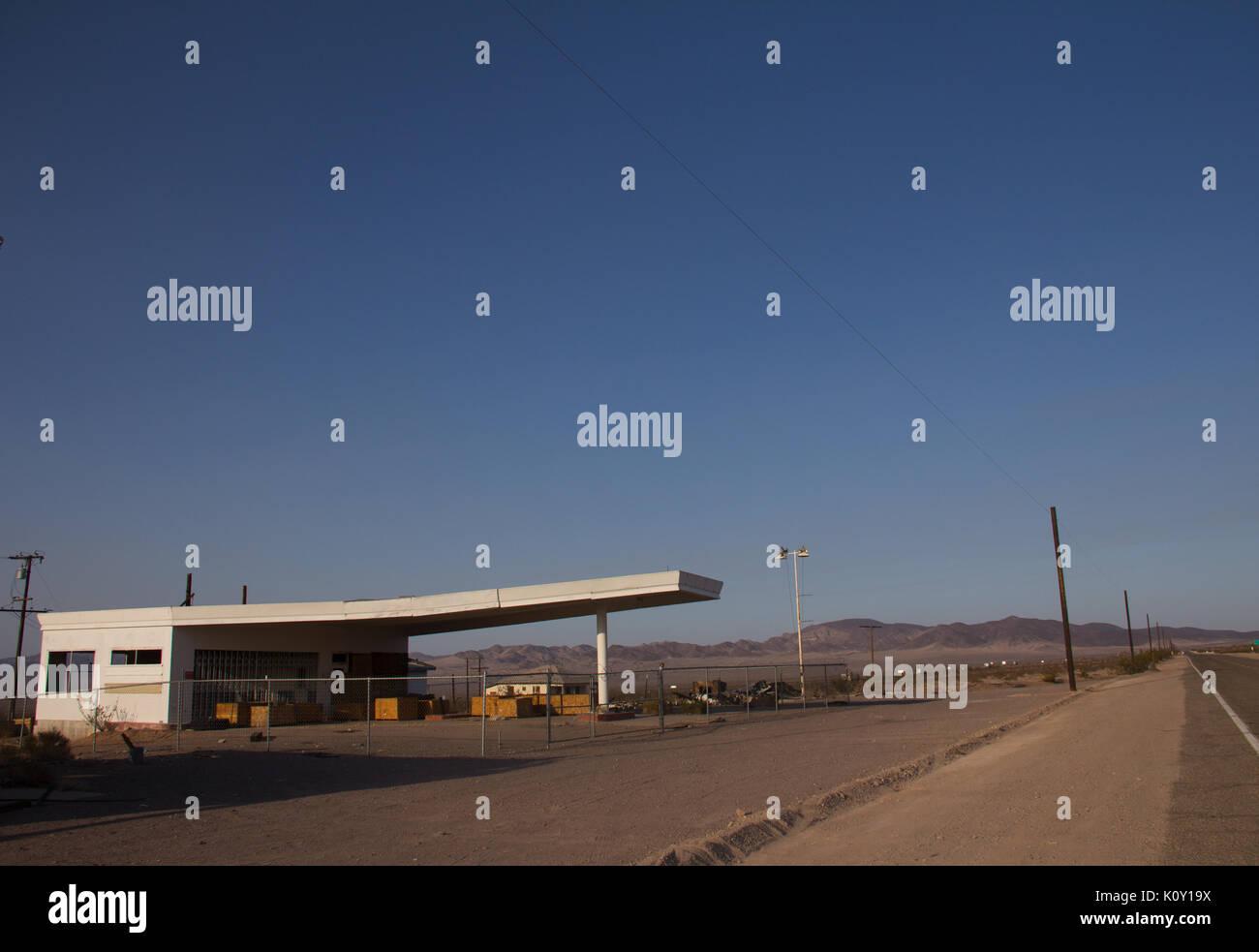 Abandoned Gas Station Alongside Route 66 Stock Photo Alamy