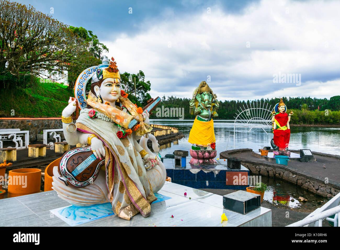 Landmarks of Mauritius - Grand bassin hindu temple on the lakeside - Stock Image