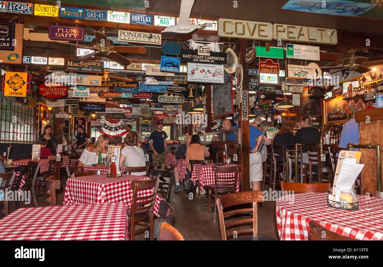 Land Ho Restaurant in Orleans, Cape Cod, Massachusetts. - Stock Image