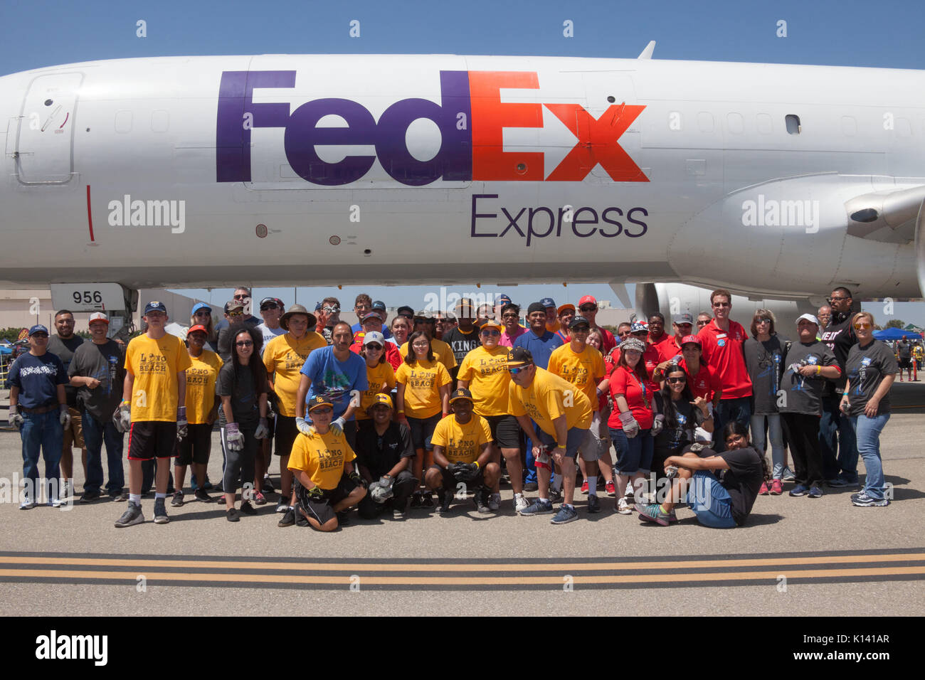 August 19, 2017 - Athletes from the Special Olympics compete in the Special Olympics Southern California Plane Pull at the Long Beach Airport in Long  - Stock Image