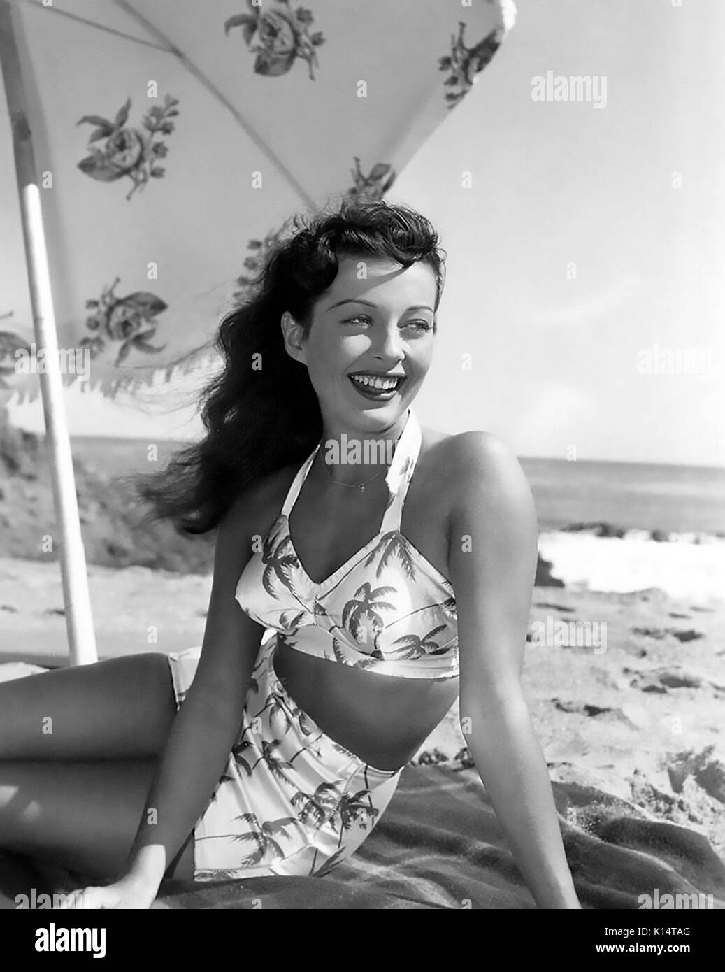 GAIL RIUSSELL (1924-1961) US film actress about 1945 - Stock Image