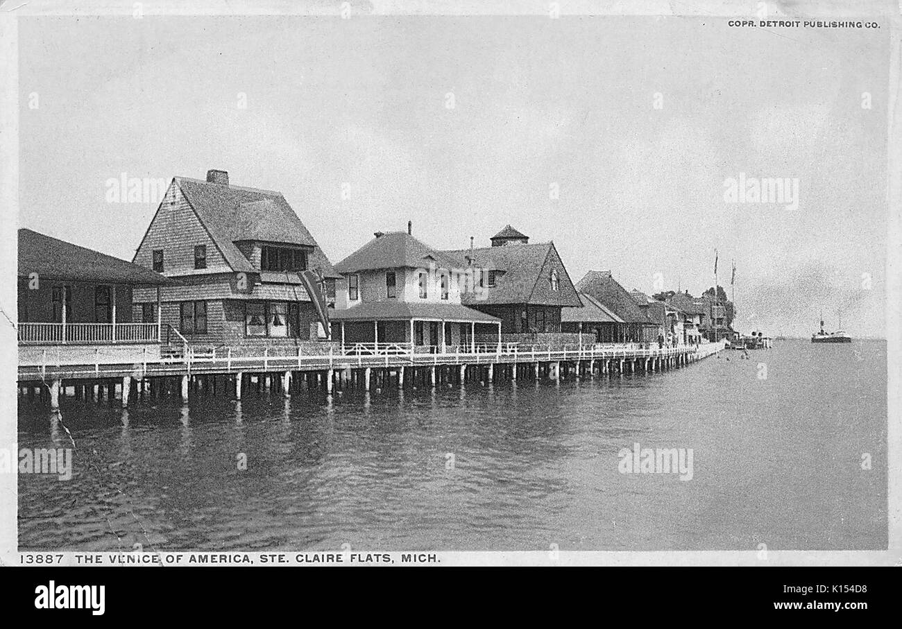 Post card showing lake shore cottages, titled The Venice of America, Saint Claire Flats, Michigan, 1910. - Stock Image