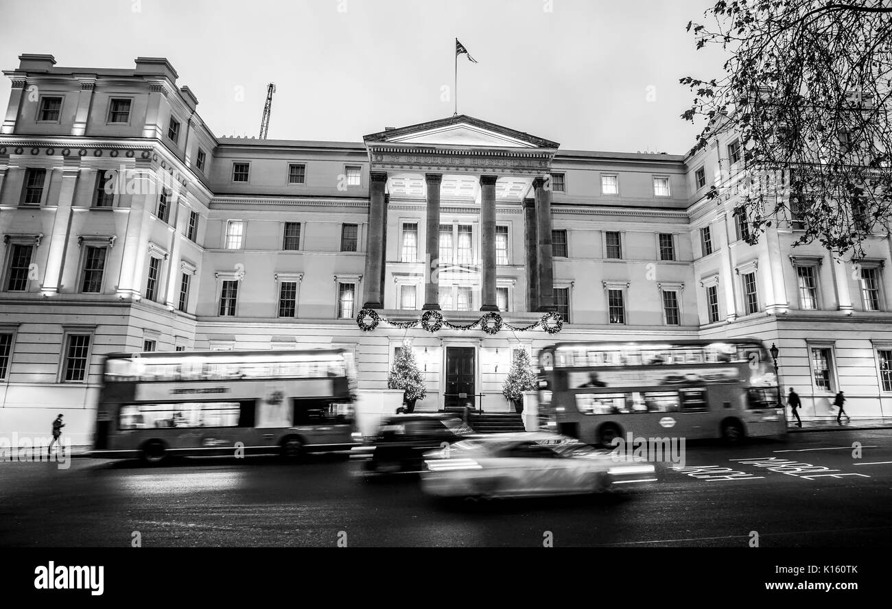 Very expensive hotel in London - The Famous Lanesborough - LONDON / ENGLAND - DECEMBER 6, 2017 - Stock Image