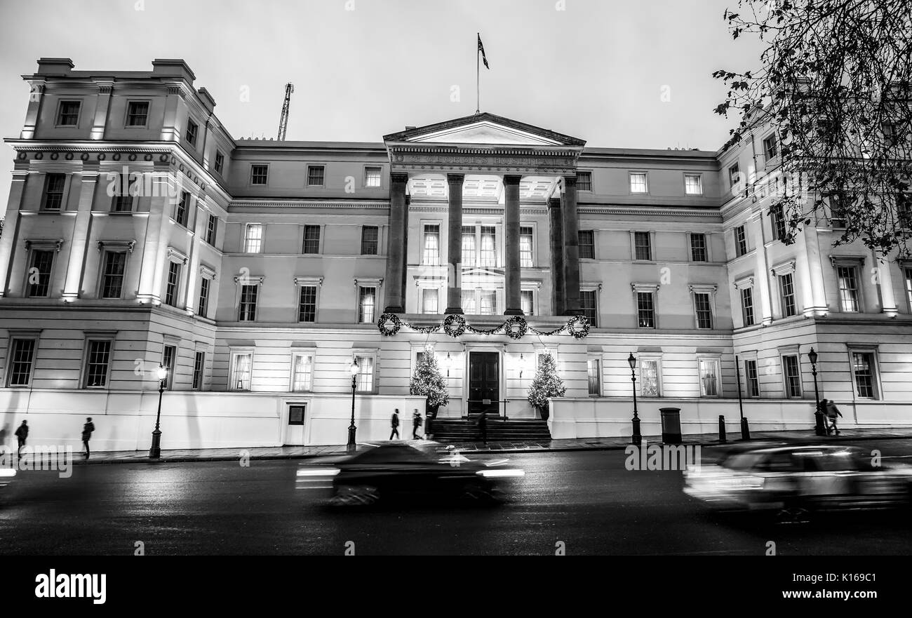 Famous Lanesborough hotel in London - very excklusive - LONDON / ENGLAND - DECEMBER 6, 2017 - Stock Image