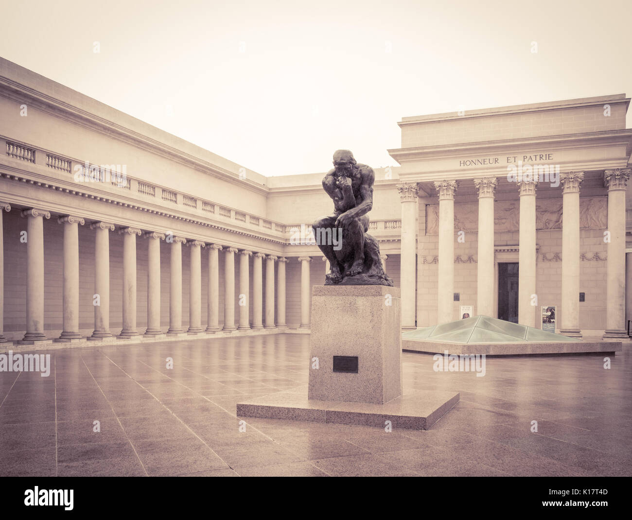 The Court of Honor, featuring a cast of the statue The Thinker, by Auguste Rodin at The Legion of Honor fine art museum in San Francisco. - Stock Image