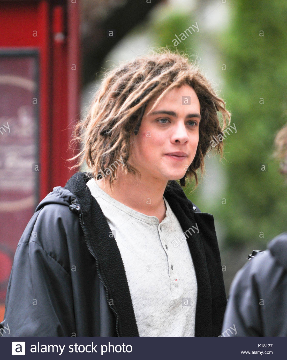 Douglas smith douglas smith meets and greets some fans while douglas smith meets and greets some fans while working on the set of percy jackson sea of monsters in vancouver douglas plays tyson half brother to m4hsunfo