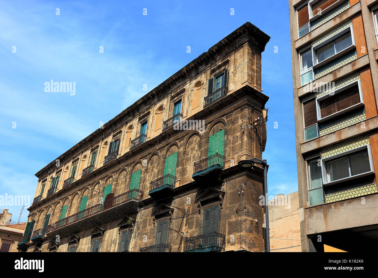 Sicily, house facade in the old town of Palermo Stock Photo ...