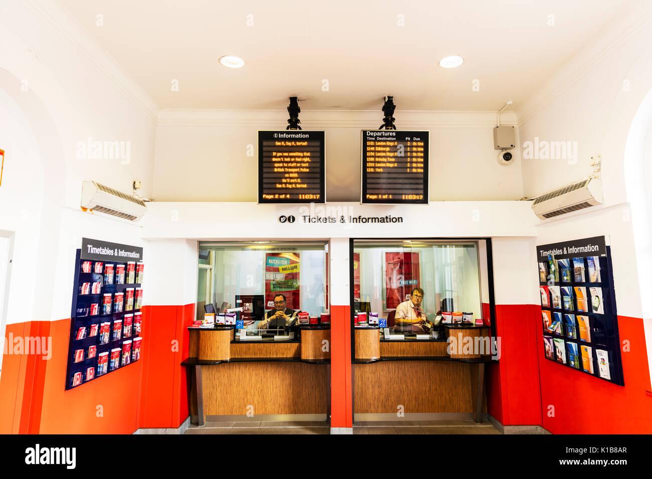 Newark Northgate rail ticket desk, Newark Northgate UK England, Newark Northgate tickets and information desks, ticket desk, rail tickets, UK, Newark - Stock Image