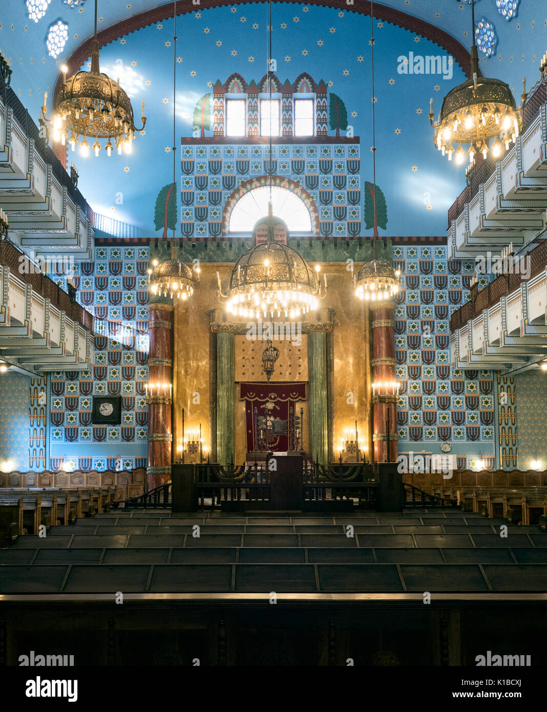 Interior view of Kazinczy Street Orthodox Synagogue, located in the centre of Budapest, Hungary - Stock Image
