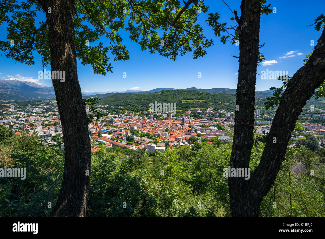 Elevated view of the city of Gap in summer. Hautes-Alpes, Southern French Alps, France - Stock Image