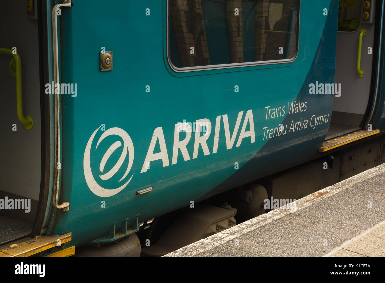 Arriva Logo Bus High Resolution Stock Photography And Images Alamy