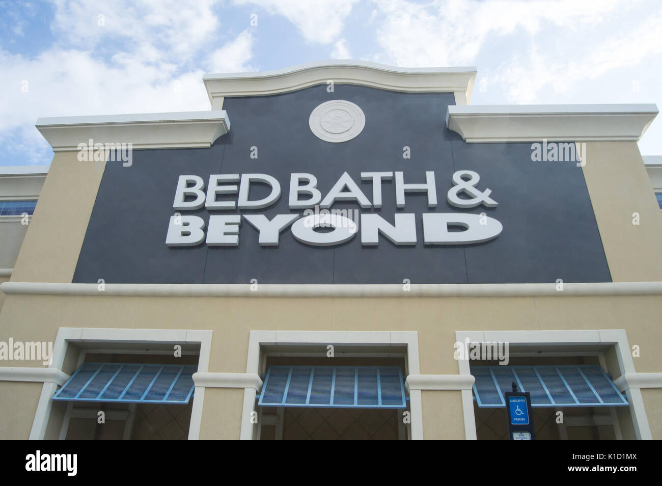 Bed Bath And Beyond Stock Photos & Bed Bath And Beyond Stock Images ...