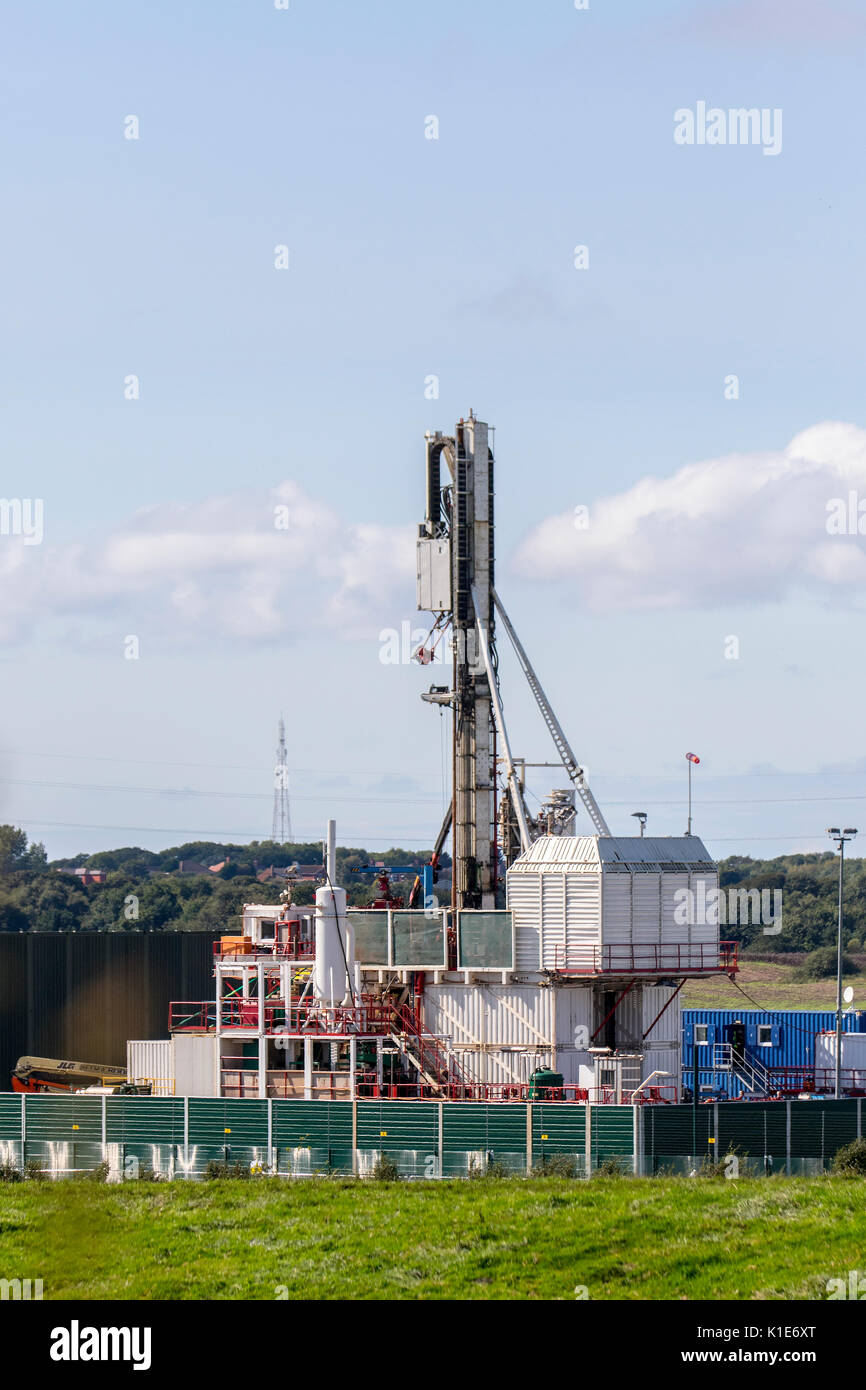 Plumpton, UK. 26th August, 2017. Caudrilla Drilling fracking rig & modular carousel nearing completion at the Shale Gas experimental site in Westby-with-Plumptons in the Fylde. Anti-fracking protesters were determined to delay the arrival of the main drilling rig at Cuadrilla's shale gas site, and have maintained 24 hour monitoring of the site. More than 4,000 people have signed a petition in calling for the enforcement of planning conditions at Cuadrilla's Preston New Road shale gas site in Lancashire. Natural gas drilling projects UK Stock Photo