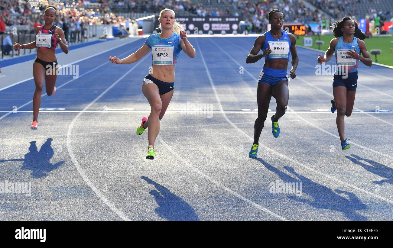 Berlin, Germany. 27th Aug, 2017. Sarah Atcho (L-R) of Switzerland, Lisa Mayer of Germany, Desiree Henry of Great Britain and Barbara Pierre of the USA in action during the women's 100 metre race of the ISTAF (International Stadium Festival Berlin) in the Olympic Stadium in Berlin, Germany, 27 August 2017. Photo: Hendrik Schmidt/dpa-Zentralbild/dpa/Alamy Live News - Stock Image