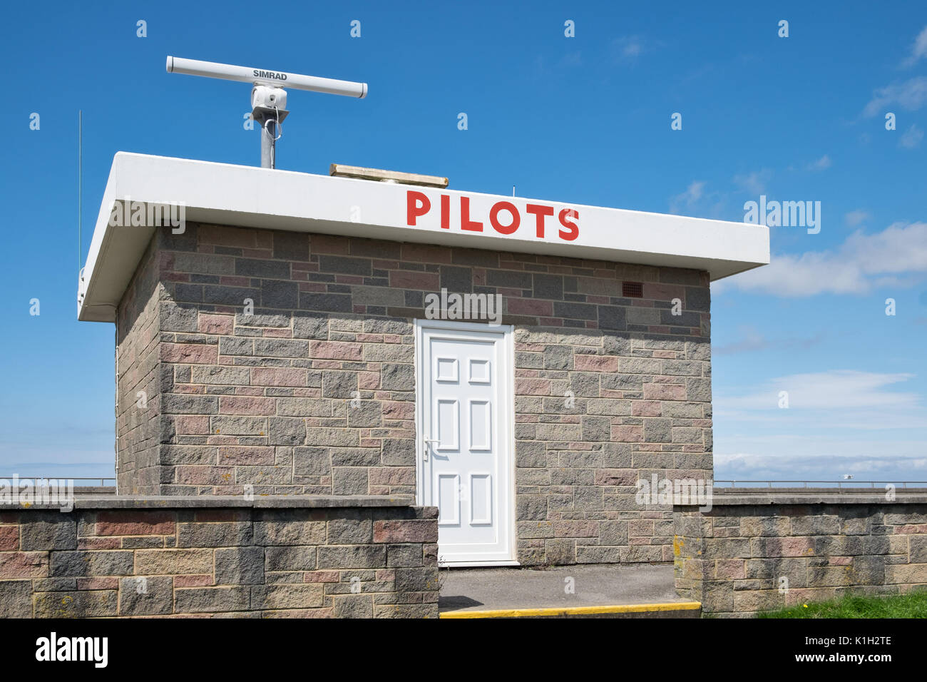 The pilots station above the sea defences at Burnham on Sea - Stock Image