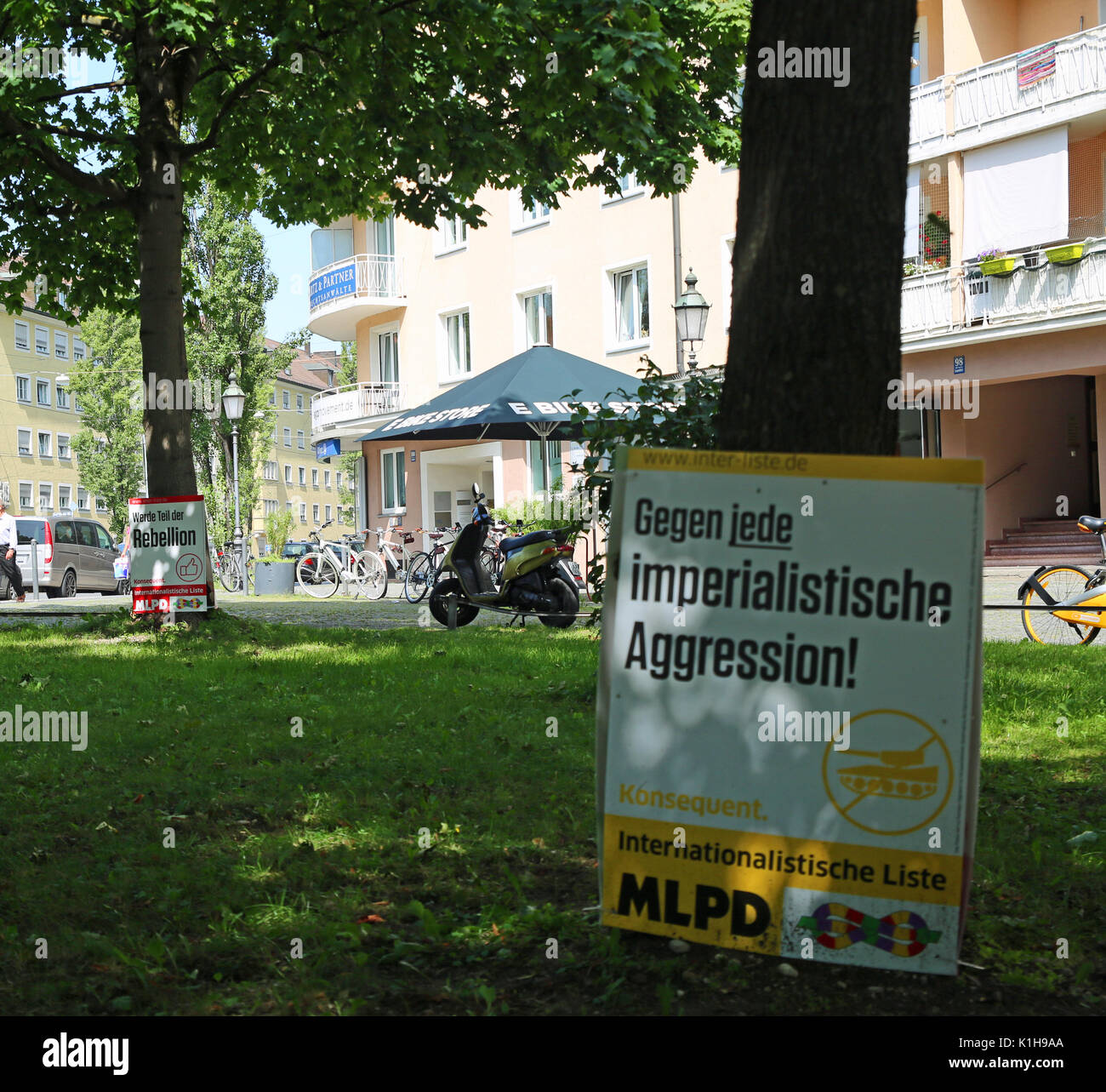 Campaign posters of the MLPD (Marxist-Leninist Party of Germany) against 'imperialism'. (Photo by Alexander Pohl / Pacific Press) - Stock Image