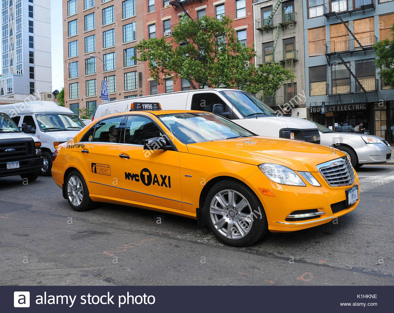 nyc taxi cab mercedes benz yellow taxi cab spotted on the. Black Bedroom Furniture Sets. Home Design Ideas