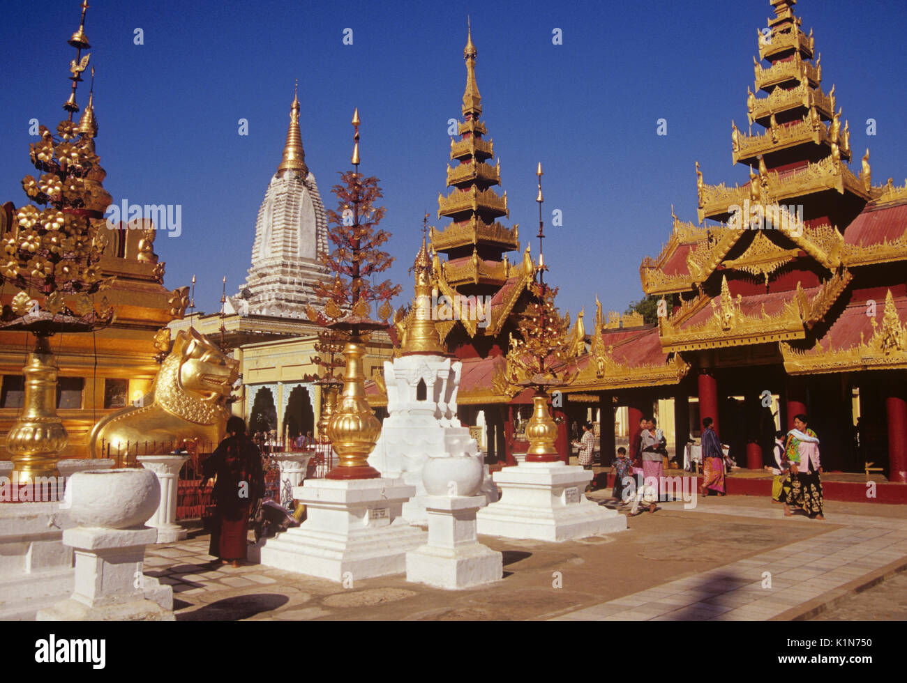 Shrines and pavilions at Shwezigon Pagoda, Pagan (Bagan), Burma (Myanmar) - Stock Image