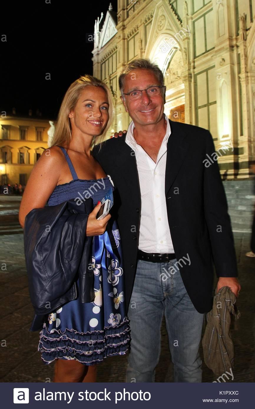 Sonia Bruganelli Paolo Bonolis Firenze Roberto Benigni Novello Dante Alighieri In