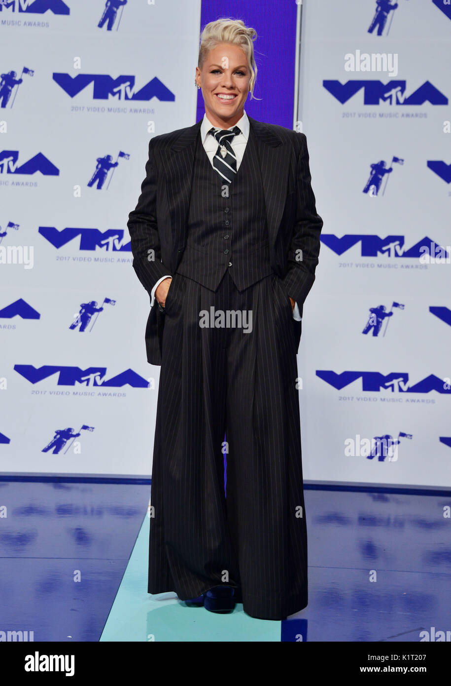 a_Pink 032 arriving at the MTV VMA 2017 ( Music Awards ) at the Great Western Forum in Los Angeles. August 27, 2017. - Stock Image