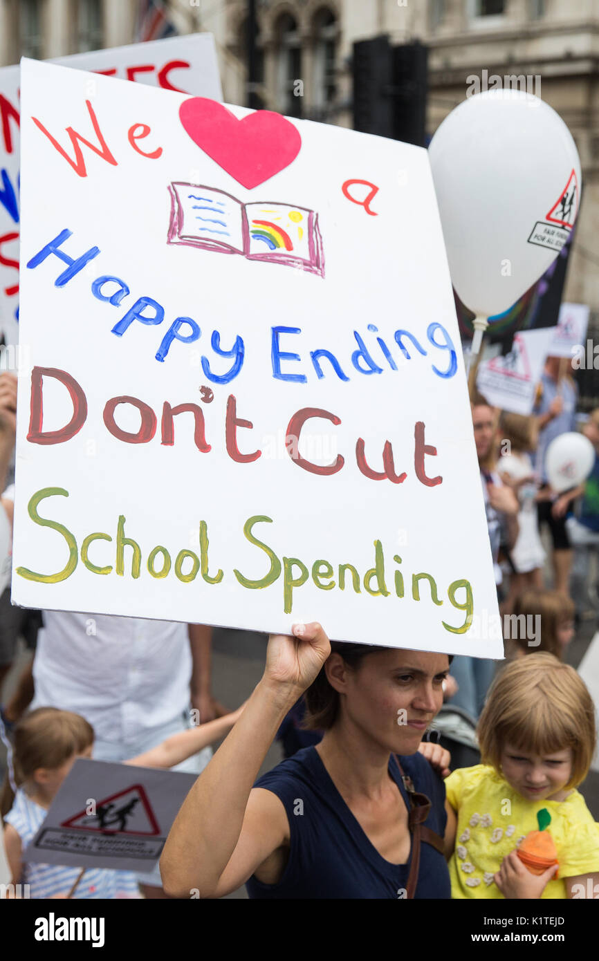 London, UK. 16th July, 2017. Campaigners against cuts to education funding and their families march to Parliament - Stock Image