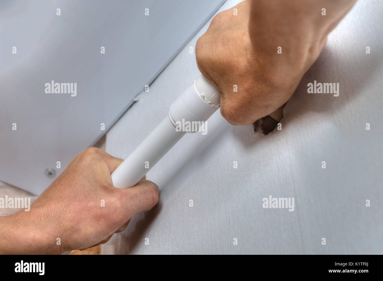 how to connect plastic water pipes