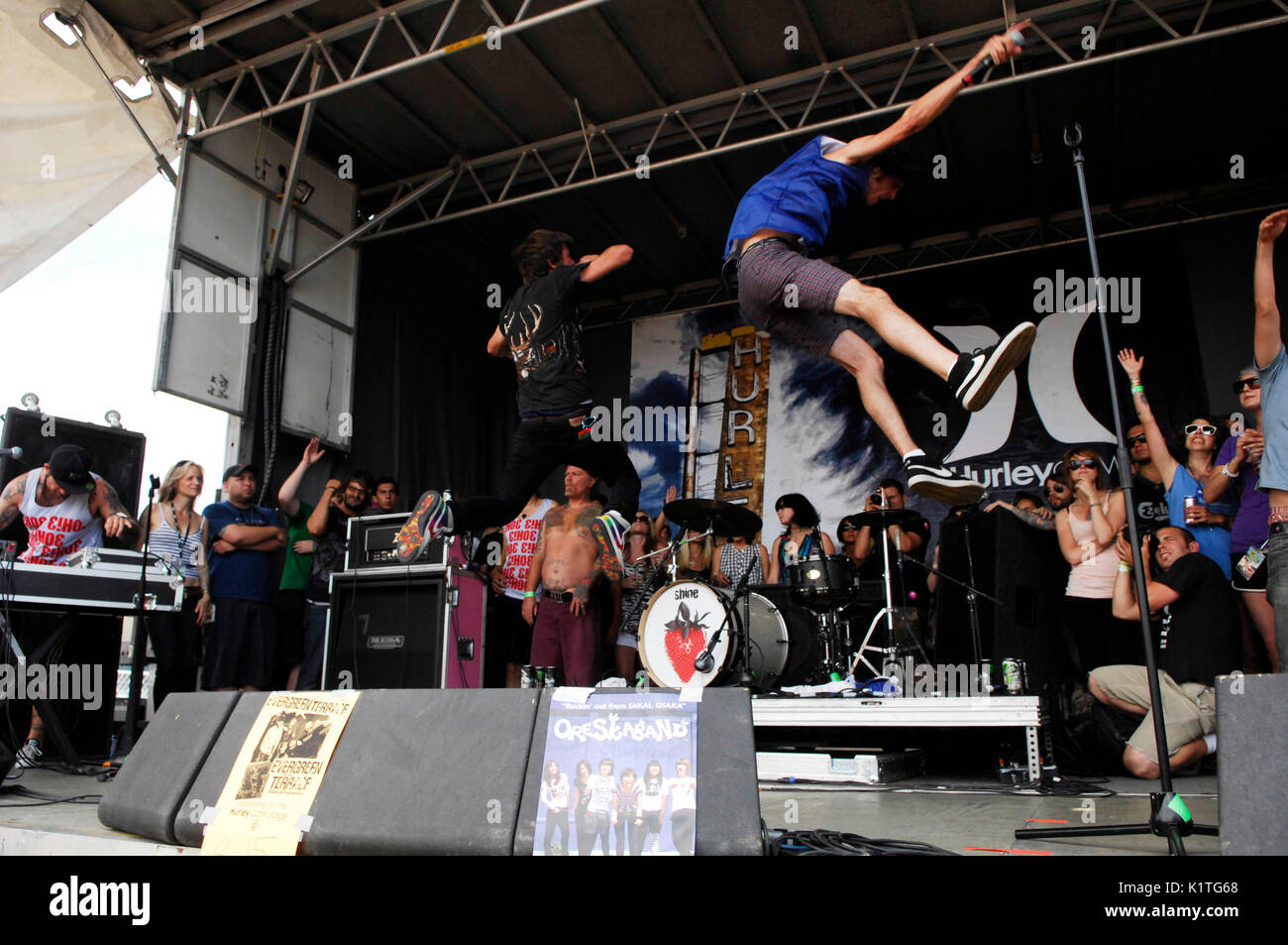 3OH!3 performing 2008 Vans Warped Tour Coors Amphitheater San Diego. - Stock Image