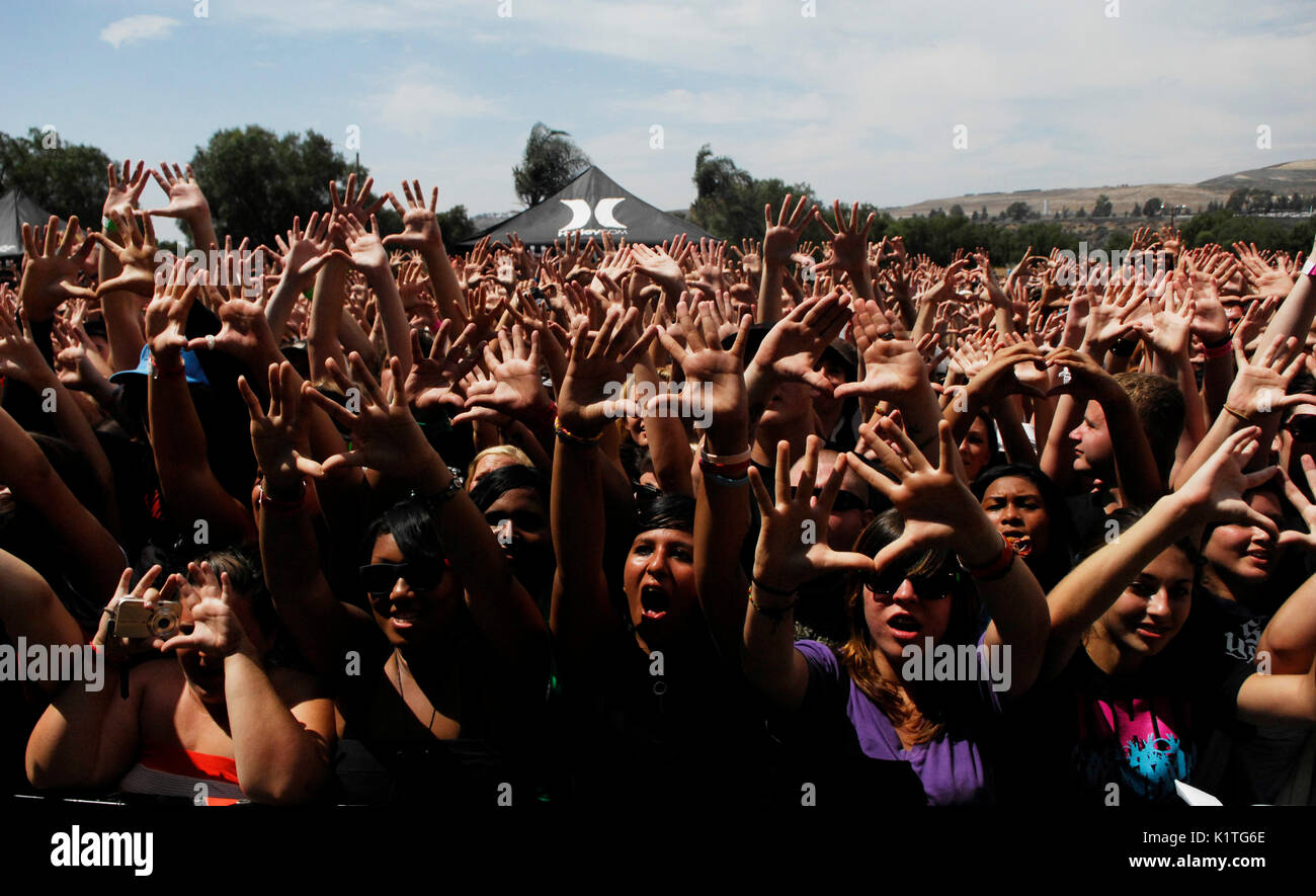 Crowd hands 2008 Vans Warped Tour Coors Amphitheater San Diego. - Stock Image