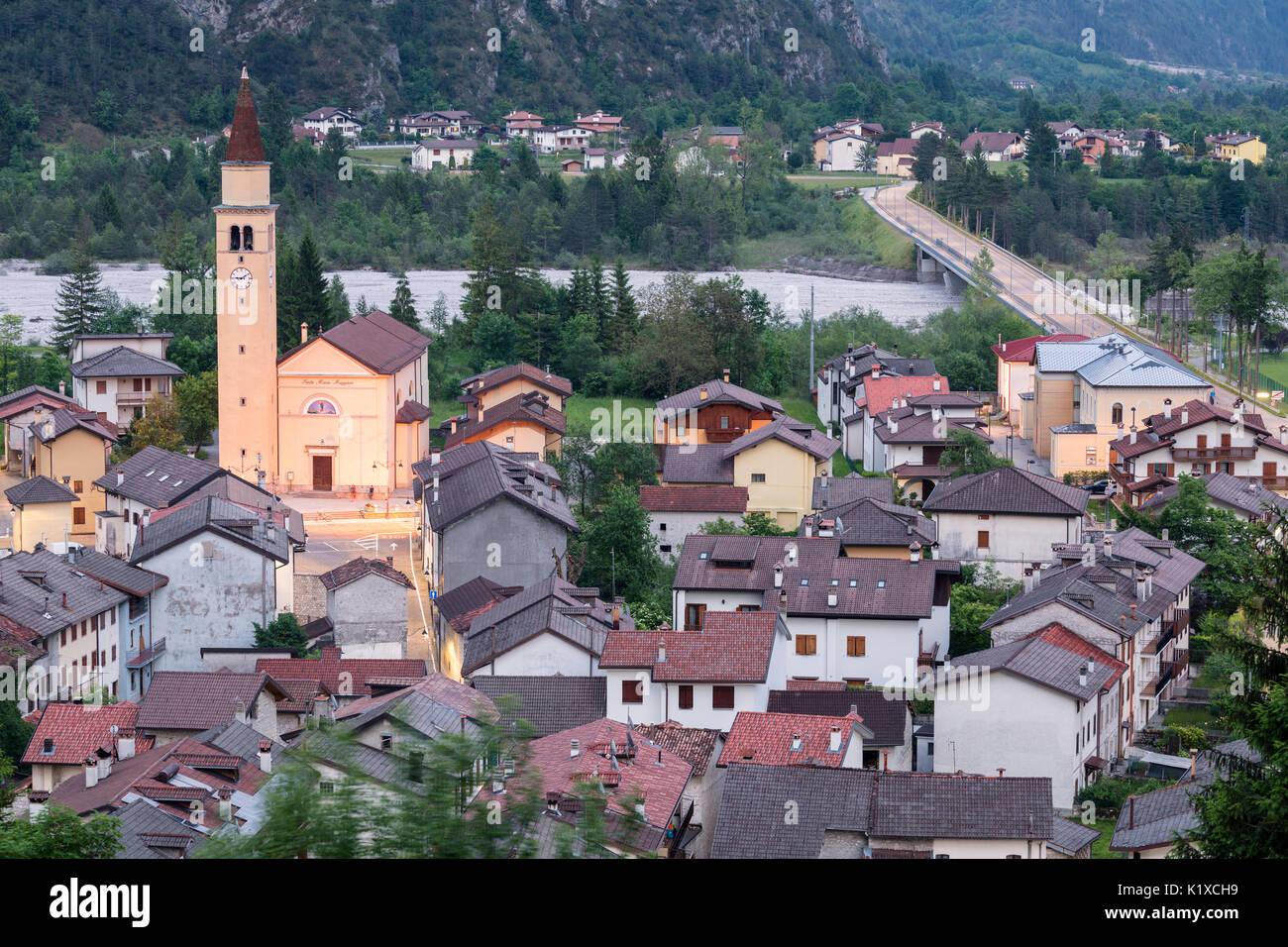 Cimolais in valcellina province of pordenone friuli for Arredamento friuli venezia giulia
