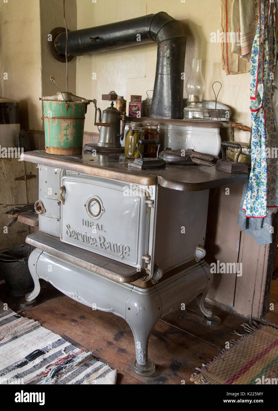 A 19th century stove at The Hopper-Goetschius house in Upper Saddle River, New Jersey - Stock Image