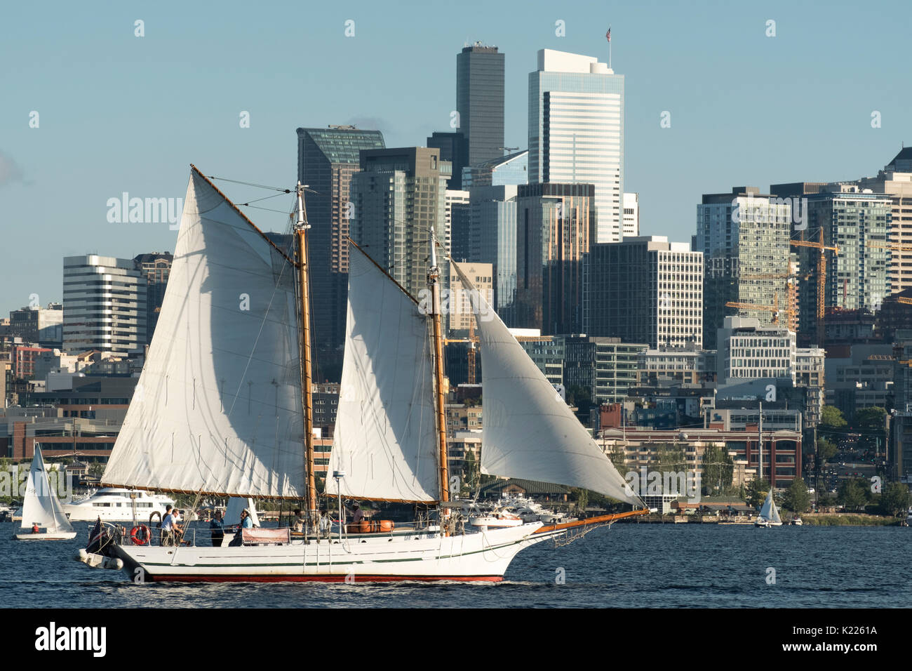 Scooner under full sail on Lake Union, Seattle, Washington, USA - Stock Image