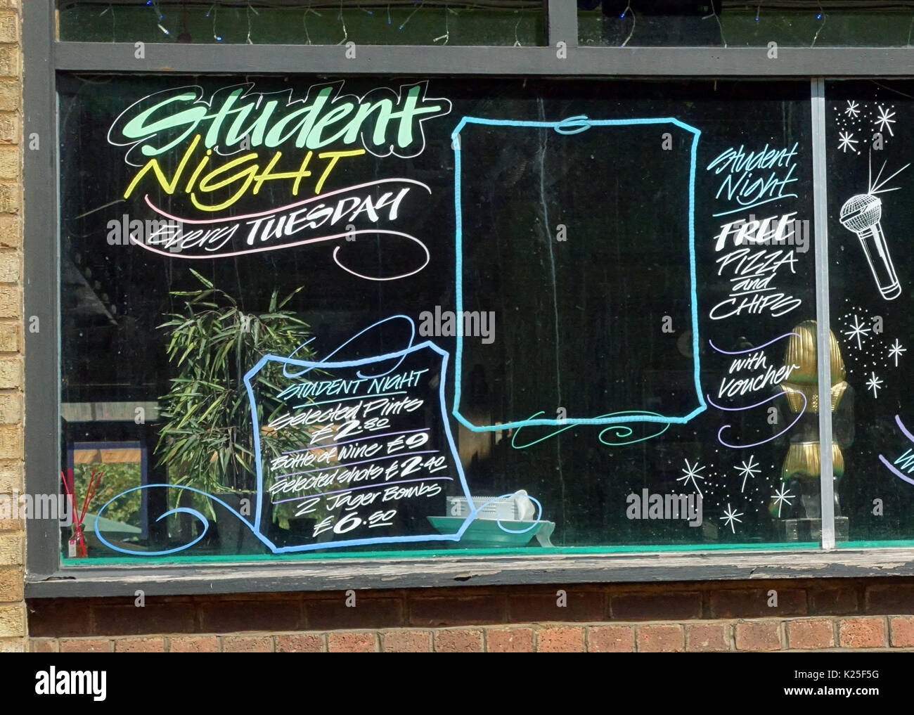 Student Night promotions at Black Horse pub, Great Dover Street, London SE1 - Stock Image