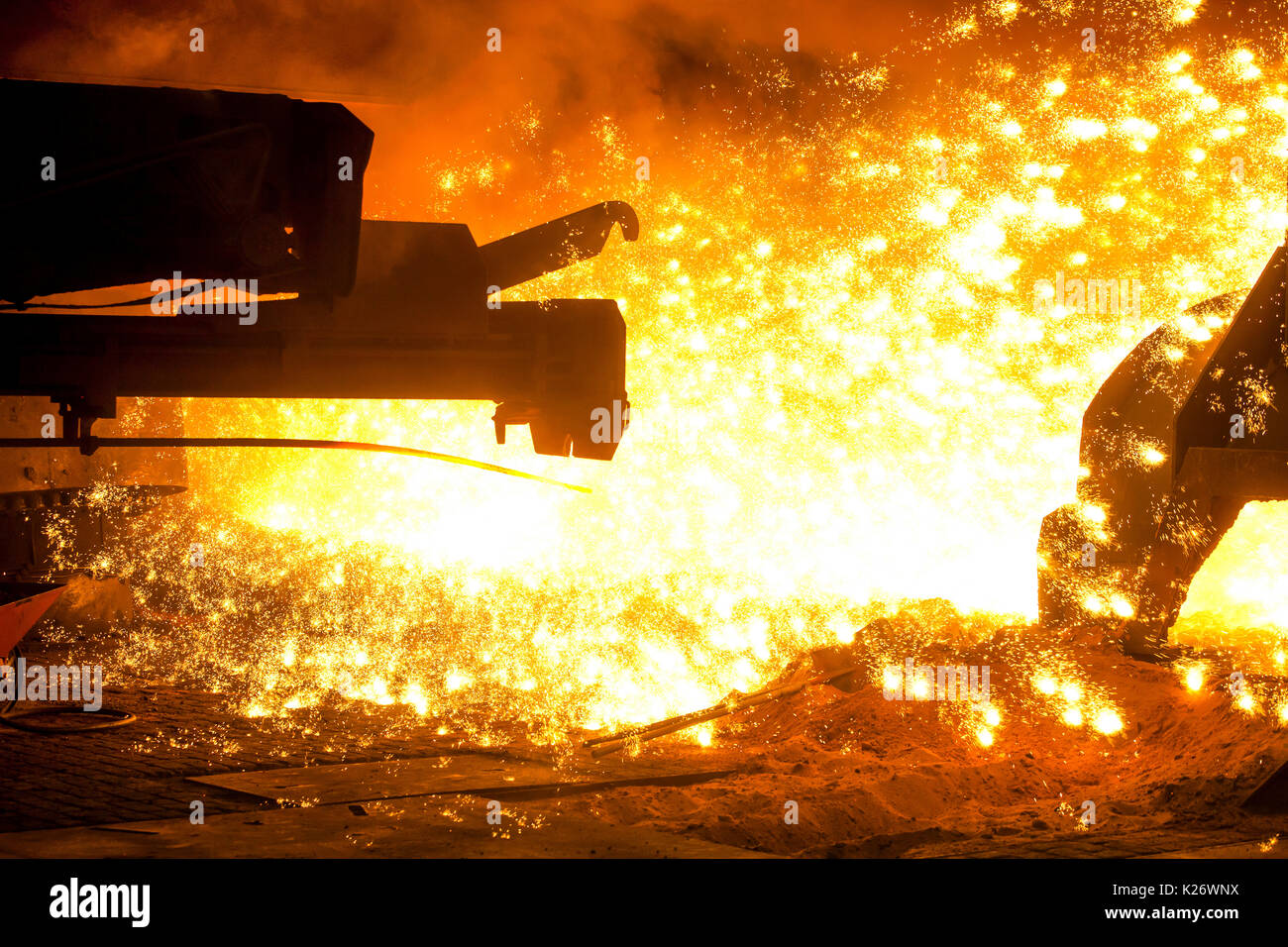 Tapping at furnace 8, ThyssenKrupp ironworks, Duisburg, Ruhr area, North Rhine-Westphalia, Germany - Stock Image