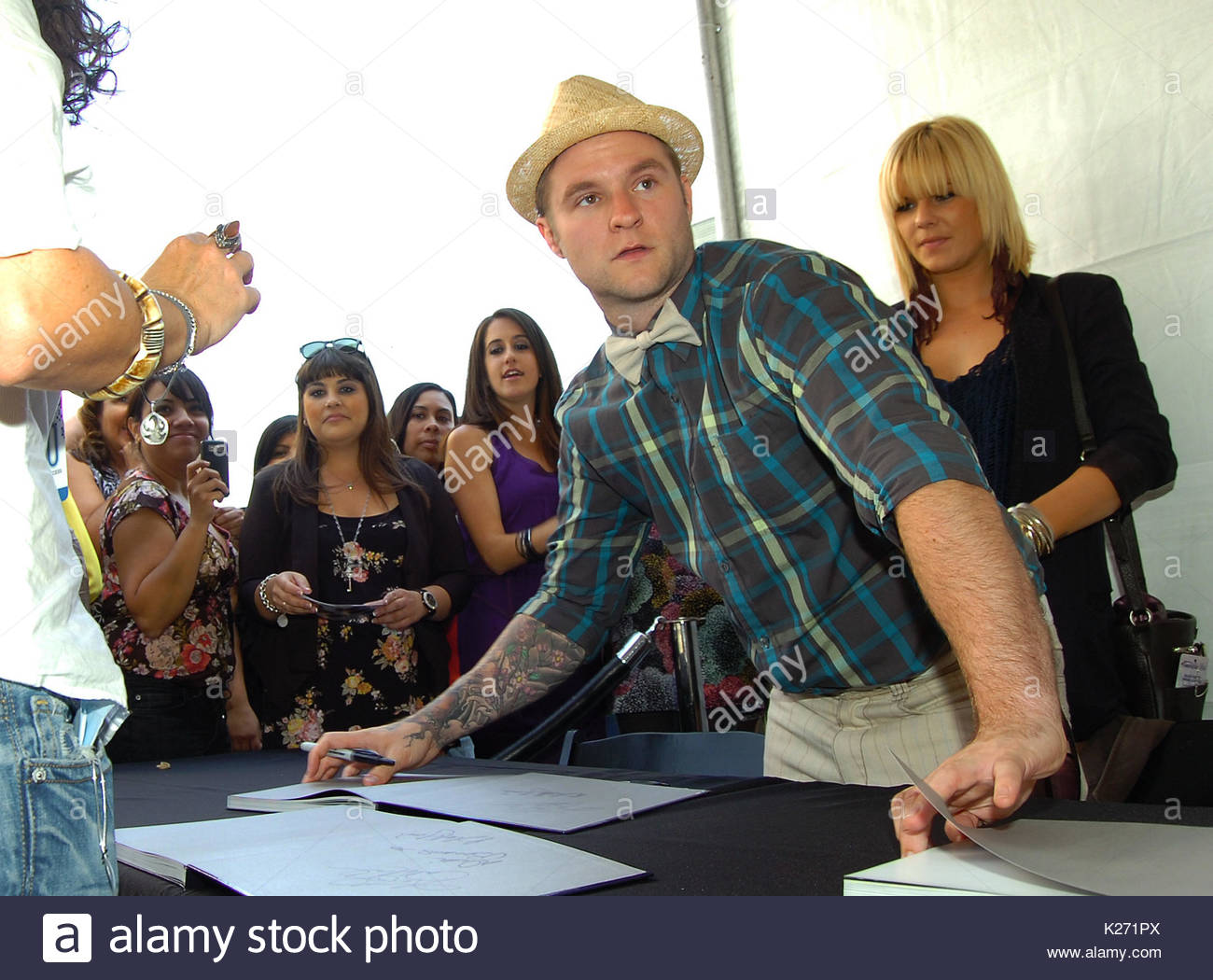 Blake lewis former american idol performers meet and greet fans former american idol performers meet and greet fans outside for autographs and photos at la live next to the staples center in los angeles california m4hsunfo