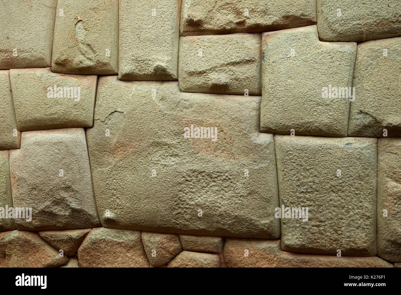 Twelve Angled Stone (historic Inca stonework), Calle Hatunrumiyoc, Cusco, Peru, South America - Stock Image