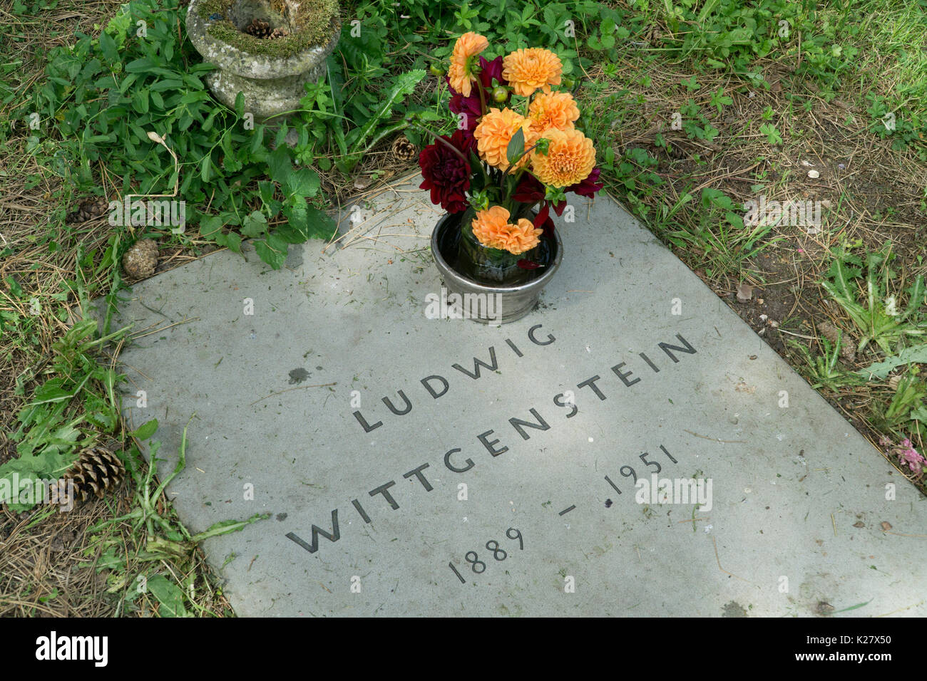 grave of ludwig wittgenstein ascension cemetary cambridge - Stock Image